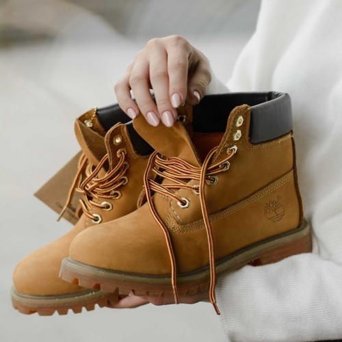 Timberland 6-Inch Classic Orange Fur Boots